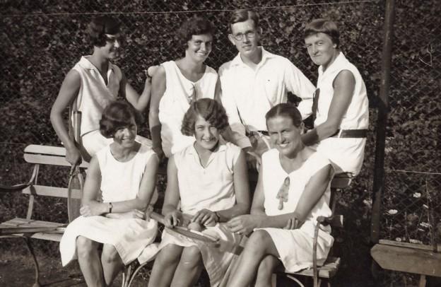 Tennis 9-12,9x8,4